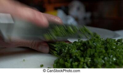 petit, multiple, légumes, découpage, couteau, haut, tas, légume, table, pieces., ciboulette, préparer, vue, cuisine, vert, fin