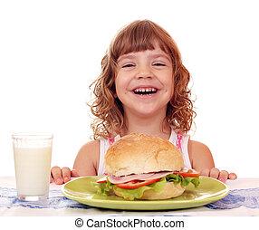petite fille, petit déjeuner, heureux