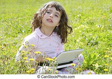 petite fille, pré, informatique, cahier, jardin