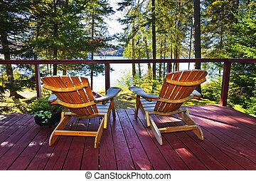 petite maison, chaises, forêt, pont