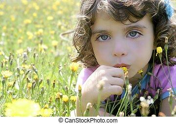 peu, fleur, pré, adorable, girl, odeur