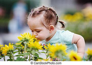 peu, fleurs, girl, sentir