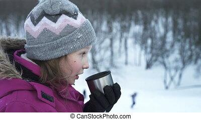 peu, hiver, boisson, chaud, dehors, boire, girl