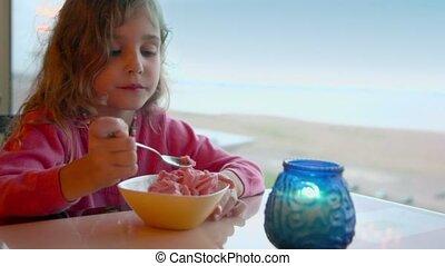 peu, montre, mange, glace, bougie, girl, crème