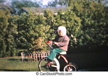 peu, nouveau, promenades, tricycle, garçon, 1964