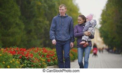 peu, park:, promenades, -, ruelle, family:, automne, père, enfant, girl, fleurs, mère, heureux
