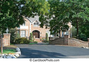 philadelphie, maison, suburbain, famille seule, portail, landscaping, encadré, pa., étendu, haut gamme, arbres.