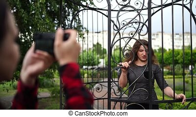 photographe, poser, femme, parc, femme