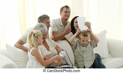 photographies, famille heureuse, observer