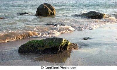 pierres, sea.