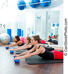 pilates, rang, balles, aérobic, femmes, toning