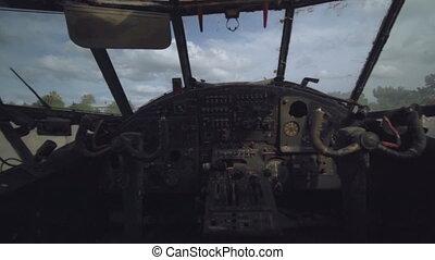 pilote, panneau, interior., hélicoptère, cargaison, poste pilotage, poussiéreux, vue, militaire, avion, intérieur, sans, cabine, debout, abandonnés, tableau bord, piste, contrôle