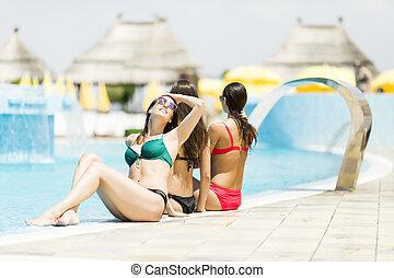 piscine, femmes