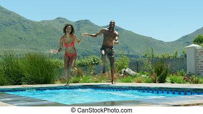 piscine, noir couple, sauter, vue, natation, 4k, devant, jeune