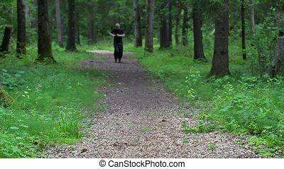 piste, homme, course, forêt, lentement