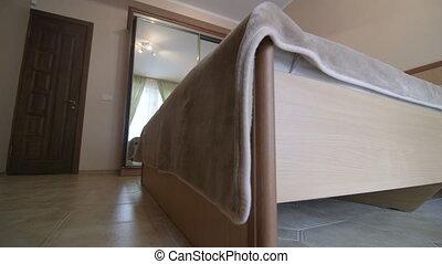 placard, double, hôtel, reflété, intérieur, lit, chambre à coucher, garde-robe