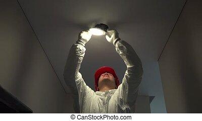 plafond, électricien, lumière, monter, professionnel, cercle, mené, trou, homme
