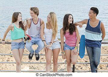 plage, adolescents, divers, groupe