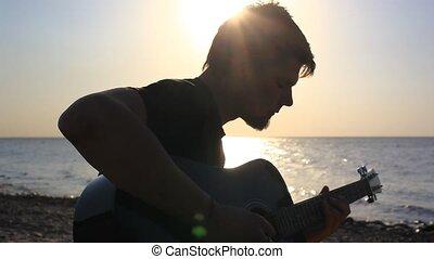 plage, jouer, coucher soleil, barbu, pendant, musicien, guitare, silhouette