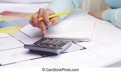 plan, calculatrice, femme, dénombrement