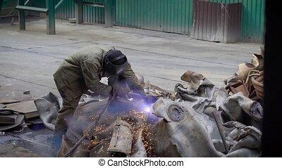 plante, acétylène, oxygène, métal, torche, ouvrier, objet, morceaux, grand, coupure, découpage, usages, recyclage