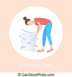 plat, concept, paperasserie, fonctionnement, femme affaires, dur, engagé, surmené, longueur, documents, entiers, papier, date limite, travail, pile