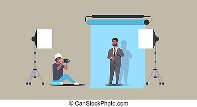 plat, entiers, photographe, business, photo, utilisation, moderne, longueur, professionnel, américain, appareil photo, studio, usure, homme, africaine, poser, horizontal, tir, modèle, formel