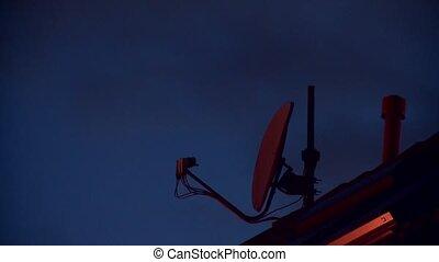 plat, satellite, nuit