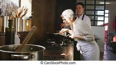 plat, sentir, chef cuistot