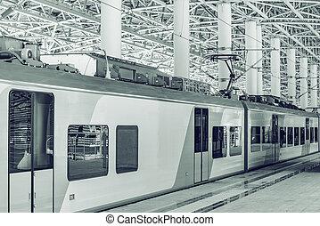 plate-forme, stands, arrival., train, après, passager