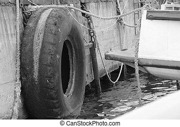 pneus, port