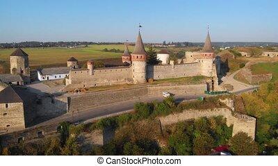 podilskyi, ukraine, historique, flyby, aérien, château, kamianets