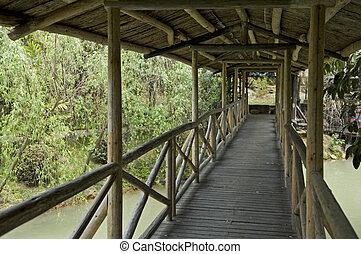 pont bois, couloir