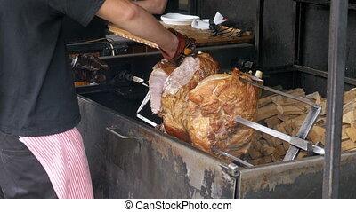 porc, morceau, viande, broche, jambe, nourriture, prague, grand, tchèque, rue, republic., rôti, préparé, ouvert, fire., au-dessus