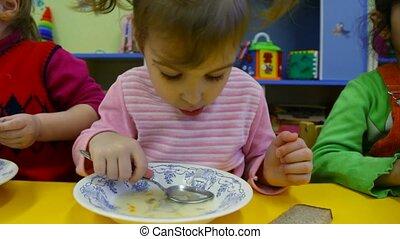 porridge, jardin enfants, peu, manger, girl