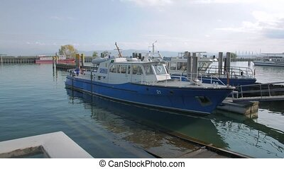 port, police, bateau