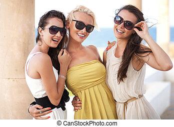 porter, adorable, lunettes soleil, trois femmes