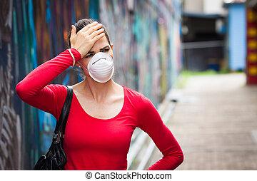 porter, femme, mal tête, masque de protection