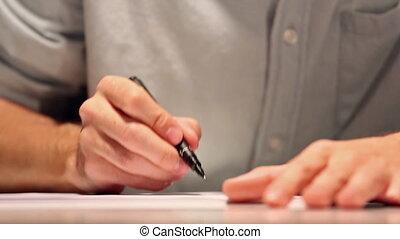 porter, ou, feuille, chemise, business, macro, paper., écriture, papier, coup, blanc, dessin, homme