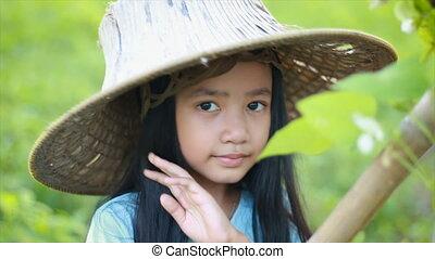 porter, peu, nature, ferme, vert, 4k, paysan, girl, chapeau, bonheur, asiatique