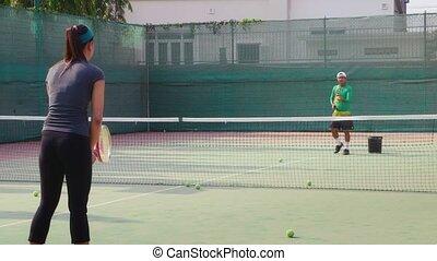 portez femme, tennis, jouer, homme