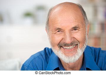 portrait aîné, sourire, séduisant, homme