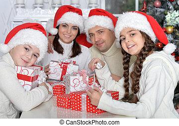 portrait, chapeaux, santa, famille, heureux