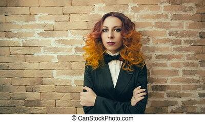 portrait, femme, sérieux, roux