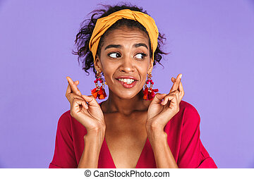 portrait, femme souriante, jeune, africaine