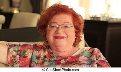 portrait, femme souriante