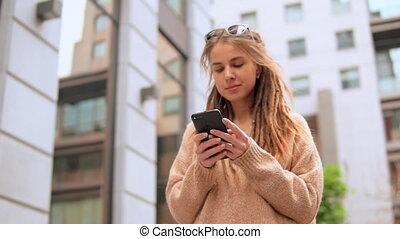 portrait, girl, smartphone, hipster, utilisation