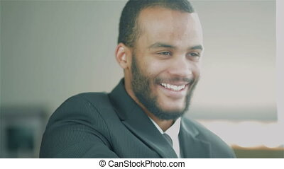 portrait, homme affaires, jeune, africaine