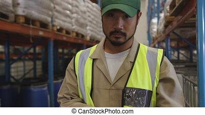 portrait, mâle, 4k, ouvrier, entrepôt, jeune