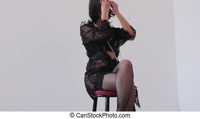 pousse, mode, séance, photo, jeune femme, poser, bas, lingerie, sexy, dentelle, chaise